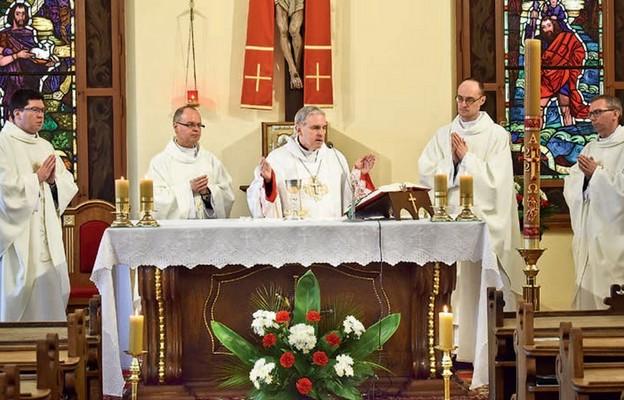Biskup ordynariusz rozpoczął w seminaryjnej kaplicy modlitewny szturm do nieba w intencji powołań