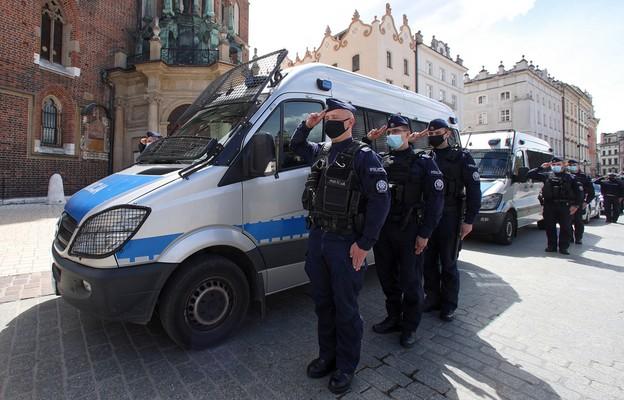 Polska policja żegna aspiranta Michała Kędzierskiego
