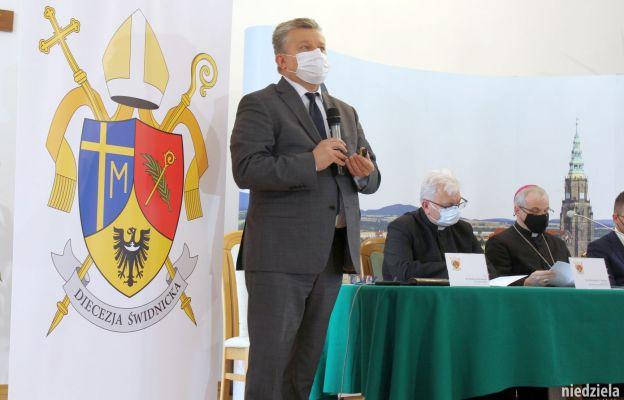 Historyk sztuki Wacław Szetelnicki wyjaśnia znaczenie herbu.