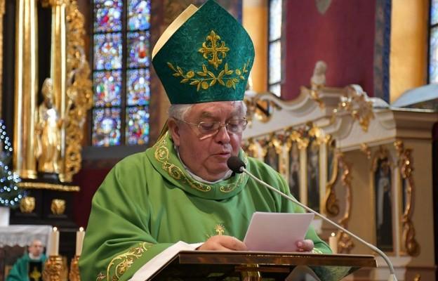 Komunikat Nuncjatury Apostolskiej w Polsce: Ojciec Święty przyjął rezygnację biskupa bydgoskiego Jana Tyrawy