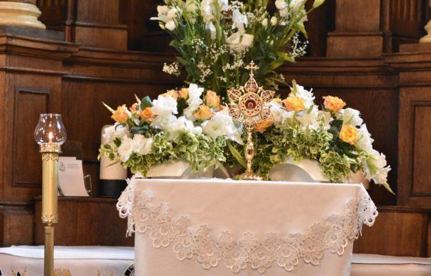 Relikwie patronki trudnych małżeństw u Królowej Rodzin