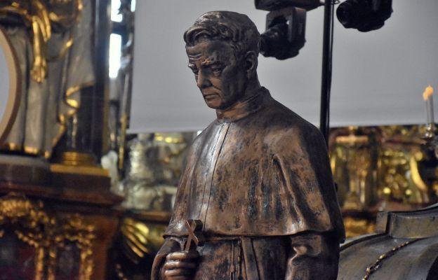 Figura o. Franciszka Marii od Krzyża Jordana w bazylice trzebnickiej