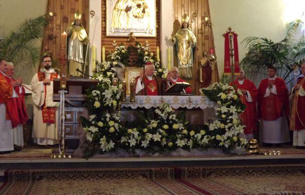 Eucharystię koncelebrowali księża z dekanatu