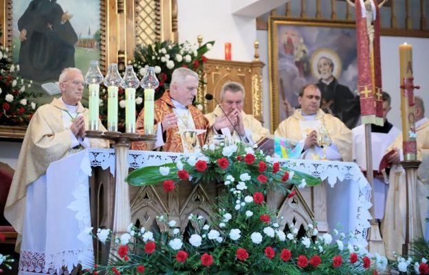 Uroczysta Eucharystia w kaplicy na Bobolówce