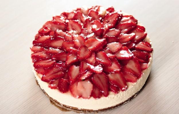 Tort z truskawkami (a' la pudding)