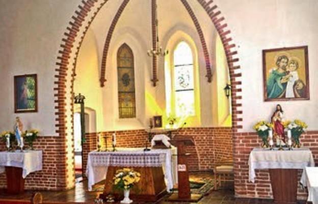 Wnętrze kościoła św. Józefa w Rurce