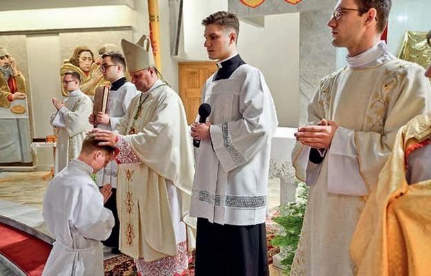 Święceń diakonatu udziela bp Leszek Leszkiewicz