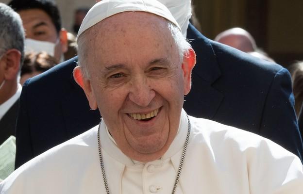 Papież: łączmy troskę o środowisko z miłością do człowieka