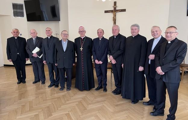 Archidiecezja katowicka: Proboszczowie przechodzący na emeryturę