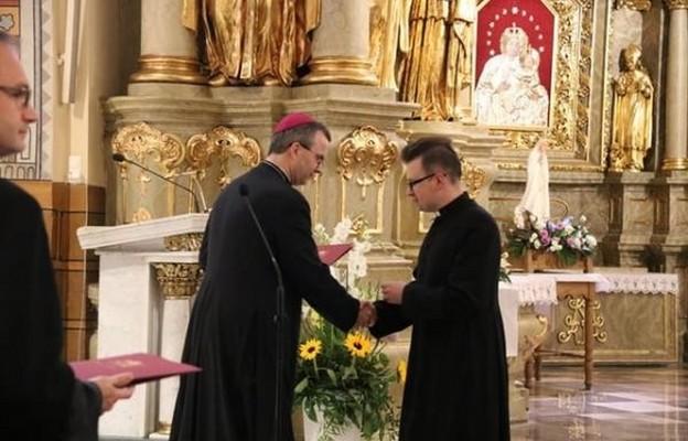 Diecezja kaliska: zmiany kapłanów