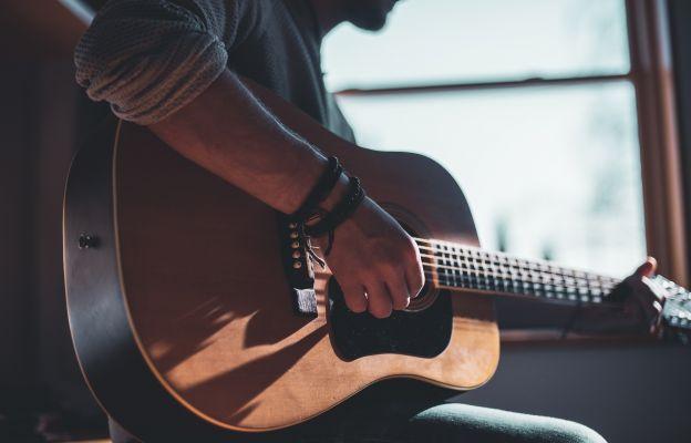 Z gitarą przy Źródle