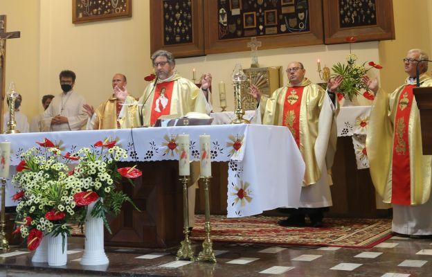 Eucharystii przewodniczył o. Janusz Śliwa, proboszcz parafii