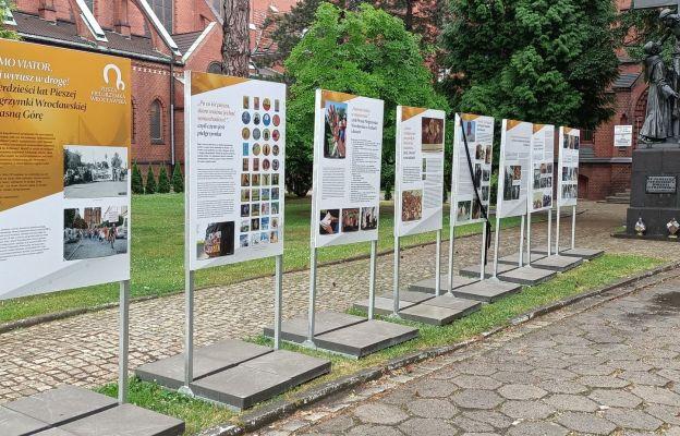 Wystawa pielgrzymkowa u franciszkanów na Karłowicach