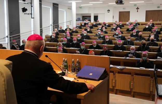 Biskupi o aktualnych kwestiach Kościoła w Polsce