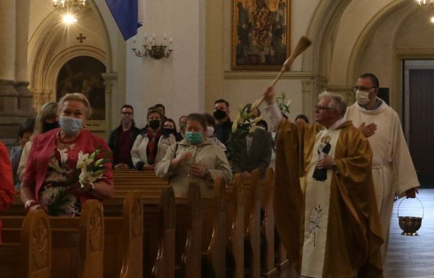 Tradycją jest poświęcenie lilii i chleba św. Antoniego