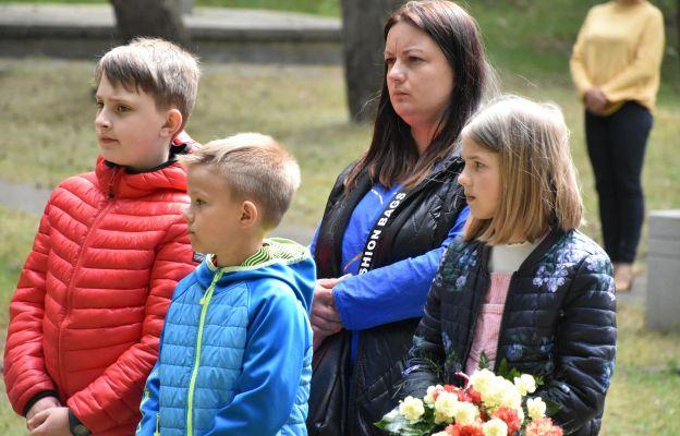 Szum sosen o zbrodni i miłości. Modlitwa na Miejscu Straceń w Olsztynie