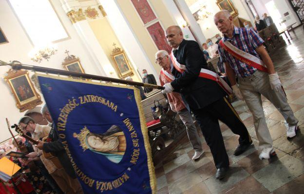 14 czerwca do Pani Cierpliwie Słuchającej pielgrzymowali członkowie Ruchu Trzeźwości Ziem Zachodnich Polski