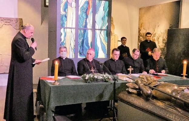 Pierwsza sesja beatyfikacyjna