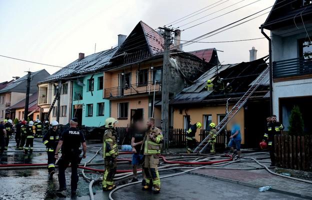 Małopolskie: Wielki pożar we wsi Nowa Biała opanowany