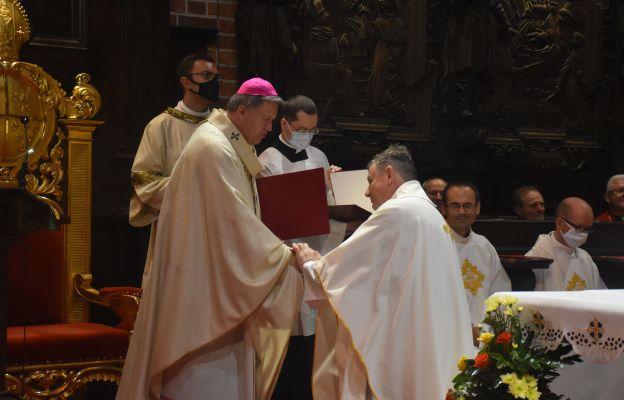Ks. Roman Maryński odbiera tytuł kanonika