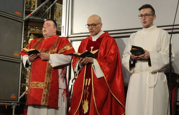 Modlitwa Liturgią Godzin pod przewodnictwem ks. kan. Dominika Ostrowskiego