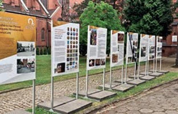Wystawa przy kościele św. Antoniego