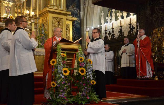 Proboszcz katedry wawelskiej ks. Zdzisław Sochacki podczas uroczystości