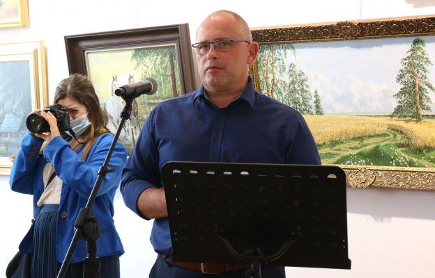 Wystawę otwiera dyrektor CKiP.