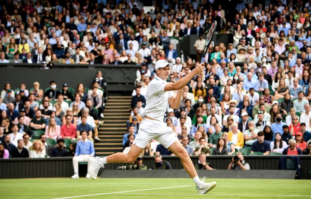 Wimbledon - Hurkacz pokonał Federera i pierwszy raz zagra w półfinale