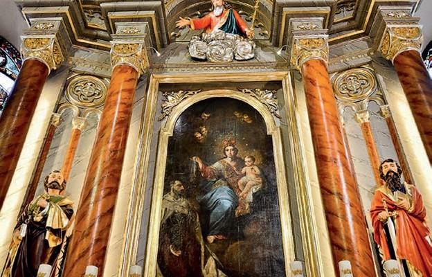 Ołtarz główny Matki Bożej Szkaplerznej i św. Rocha