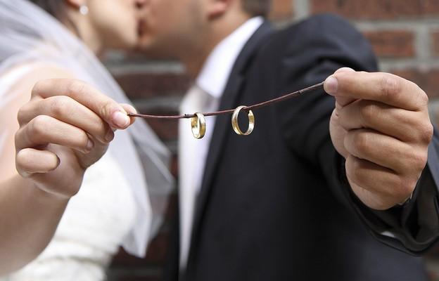 Dlaczego Kościół sprzeciwia się rozwodom?
