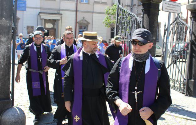 W zeszłym roku pielgrzymowali sami kapłani, w tym pielgrzymka będzie bardziej tradycyjna