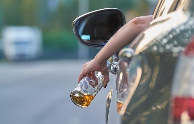 Czas pandemii pogłębia problemy alkoholowe