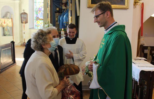 Powitanie nowego proboszcza przez członków Rady Parafialnej