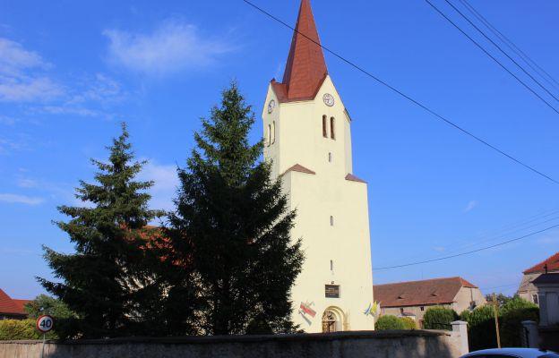 Kościół pw. Podwyższenia Krzyża Św. w Konarach
