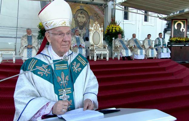 Bp Ignacy Dec podczas homilii