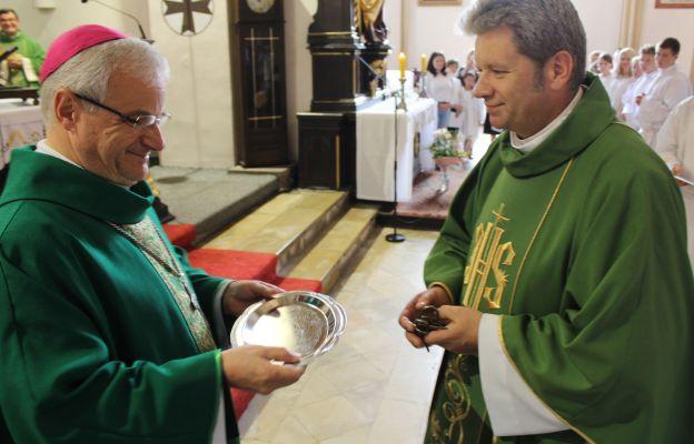 Ksiądz kan. Andrzej Ćwik stanął na czele parafii liczącej ponad 10 tys. wiernych