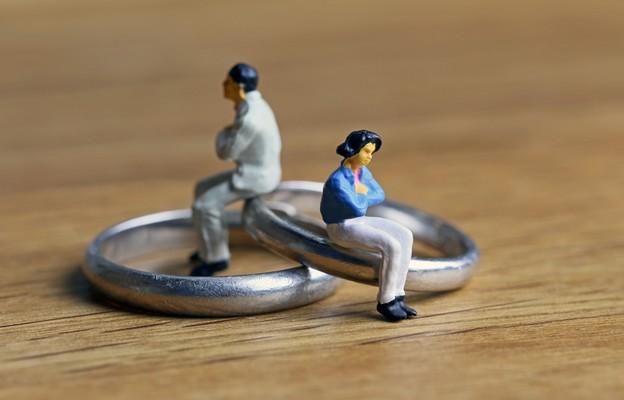 Ile kosztują nas rozwody?