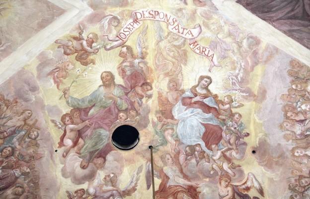 Święty Józef patrzy na Ukochaną