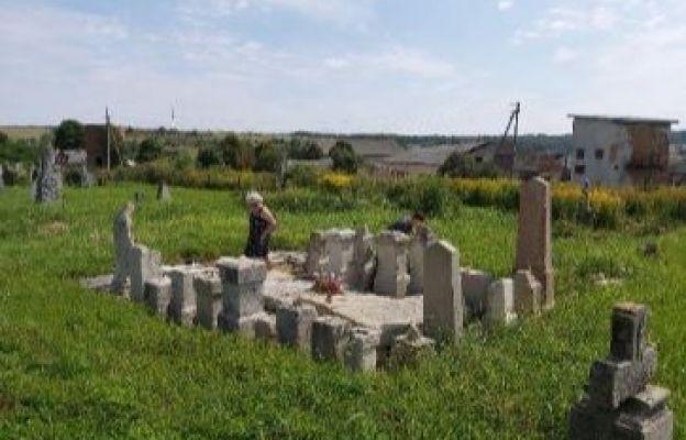 Stare Sioło - Od kilku lat powstaje tam lapidarium