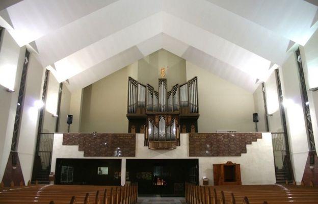 Organy w kościele pw. św. Maksymiliana Marii Kolbego w Jelczu-Laskowicach