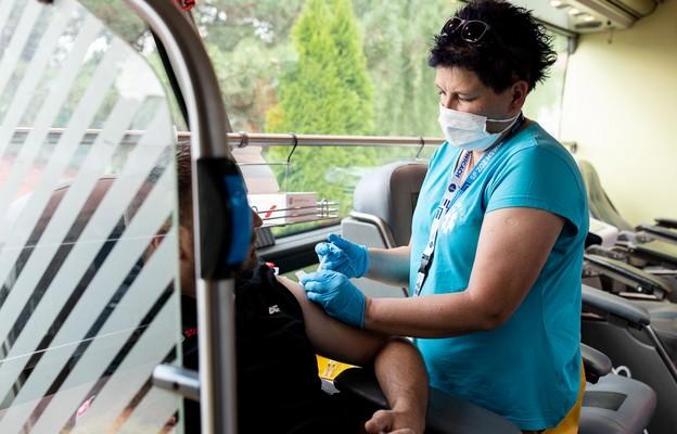 KPRM: Wkrótce ruszy rejestracja na szczepienie trzecią dawką