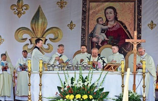 Twórzmy żywą koronę Maryi