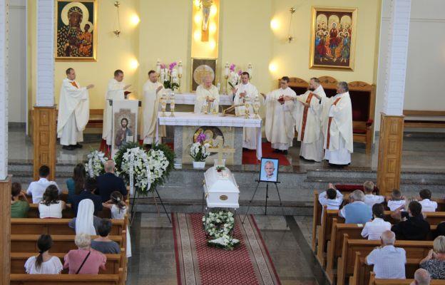 Msza św. pogrzebowa w kościele Ducha św. w Świdnicy