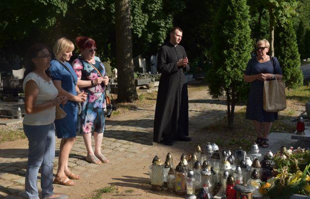 Delegacja pielgrzymów podczas modlitwy