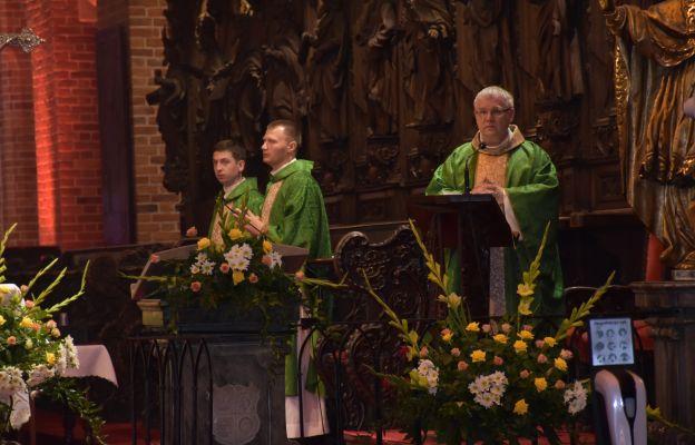 Mszy św. przewodniczył ks. Paweł Cembrowicz, proboszcz katedry