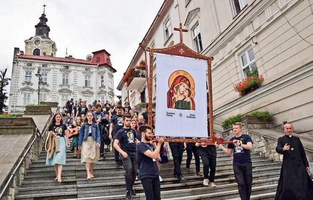 Pochód ewangelizacyjny ulicami Przemyśla