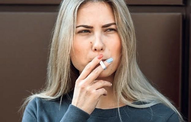 Dym o młodzież?