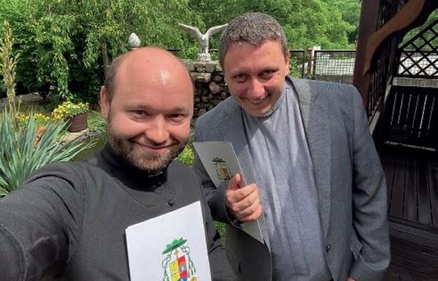 Księża Łukasz Malec i Damian Drop łączą siły dla duszpasterstwa młodych