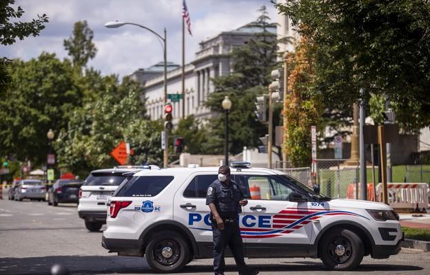 USA: Mężczyzna, który groził detonacją bomby pod Kapitolem, żądał rozmowy z Bidenem